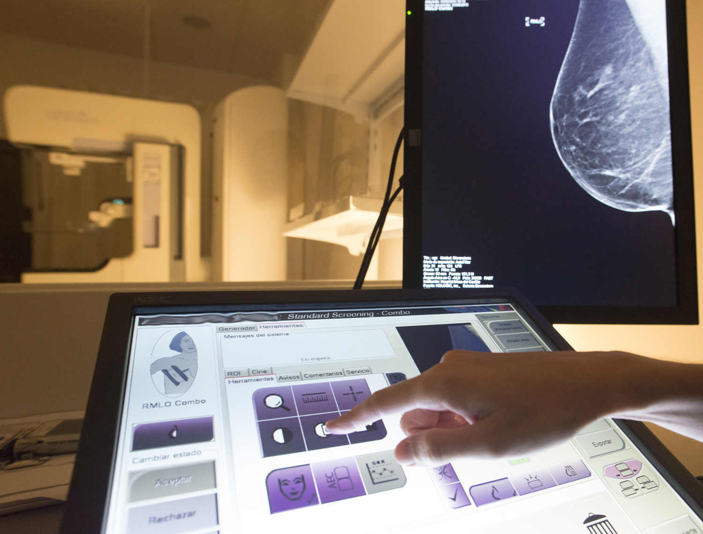 Mínima radiación para la detección del cáncer de mama