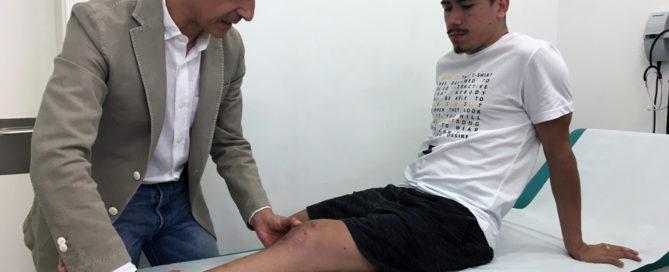 Franklin Cavalcante, ex jugador brasileño de El Pozo Murcia, se recupera en manos del Dr. Francisco Martínez