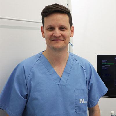 Dr. Alejandro Huelbes