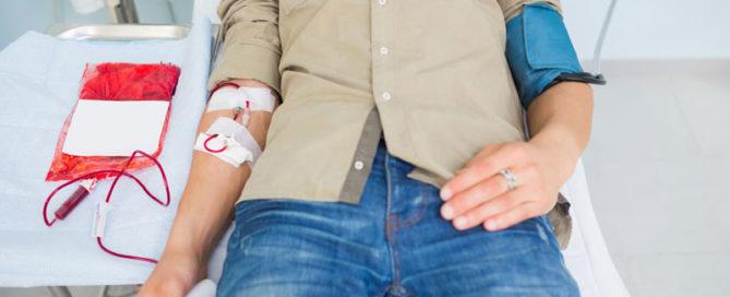 Real Murcia, UCAM CB Murcia y UCAM Murcia CF donan sangre en el Hospital Mesa del Castillo